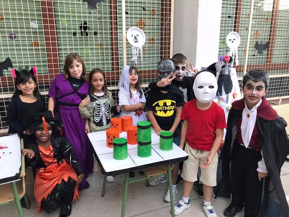 Halloween ompli la Milagrosa de disfreses i activitats diverses