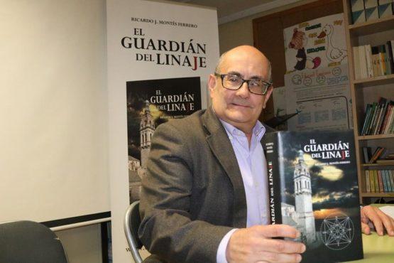 """Ricardo J. Montés presenta """"El Guardián del Linaje"""" a l'alumnat d'ESO"""
