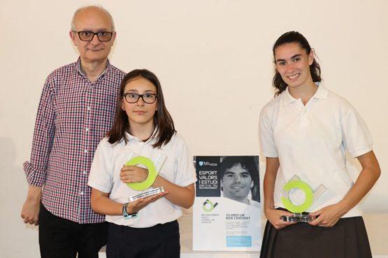 Lucía Ribera y Gisela Espejo, ganadoras de los premios Pablo Corbellas