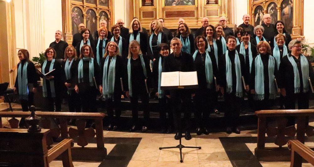 El 150 aniversari comença amb un concert de la Coral que va omplir Santa Maria